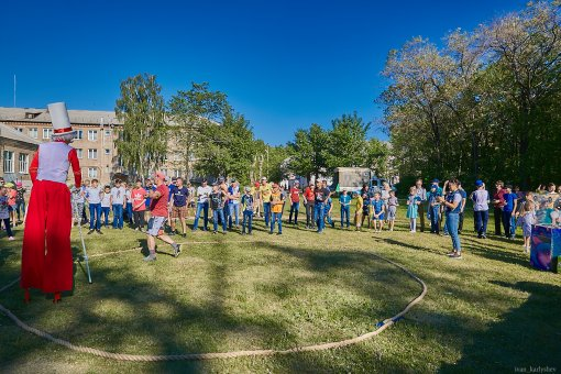 Big balloon for kids! The launch of the 26-meter balloon was seen by pupils of the boarding school № 9